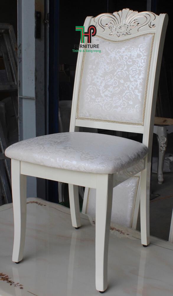 Ghế bàn ăn cổ điển (1)