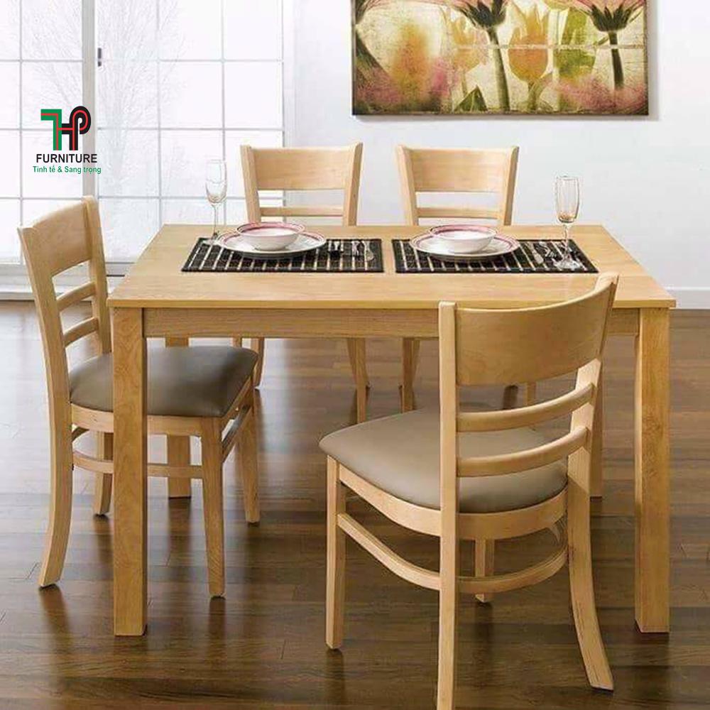 bàn ăn gỗ dùng cho quán ăn